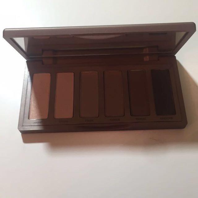 Naked 2 Basic Eyeshadow Pallete