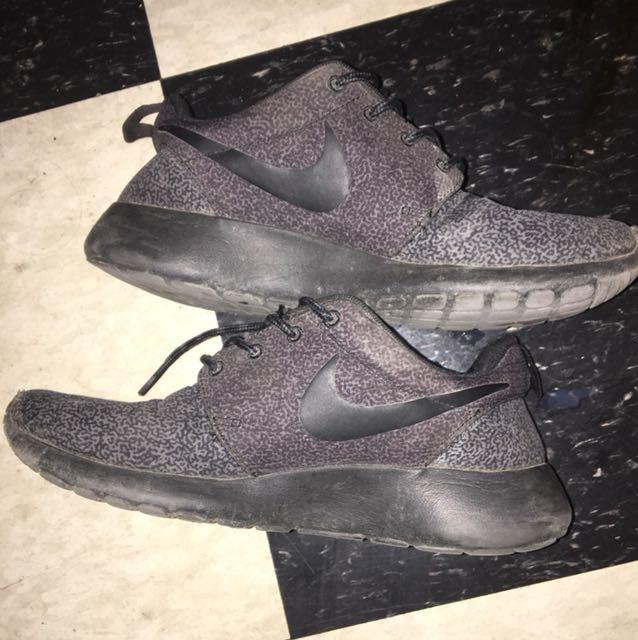 Nike Speckled Roshe Run