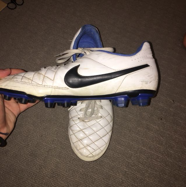 nike tempo footy boots