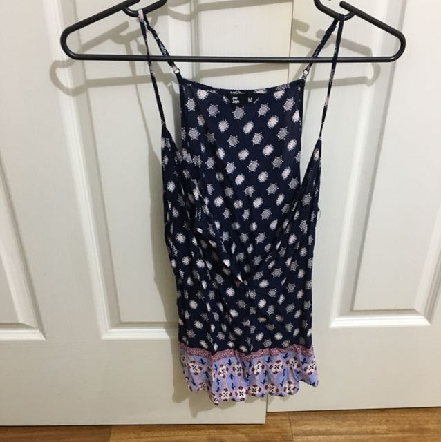 Patterned singlet top