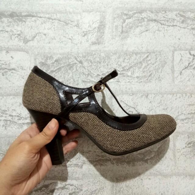 Sepatu Dexter Payless