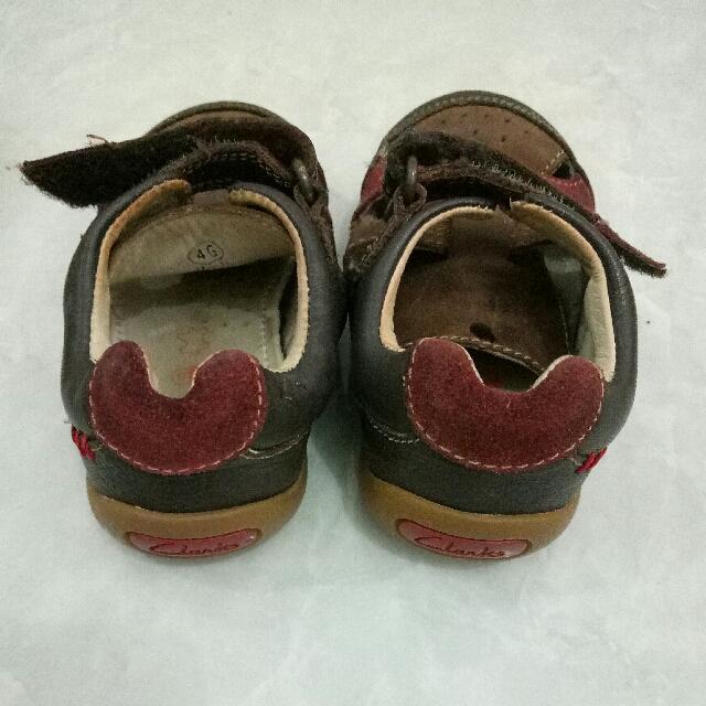 sepatu sendal anak clarks