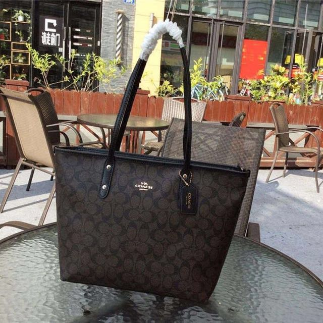 Special price: Ready stock🌹Coach signature city tote