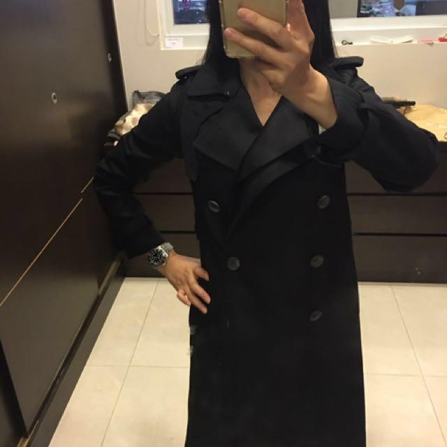 日本THE RERACS深藍色風衣,原價近4萬