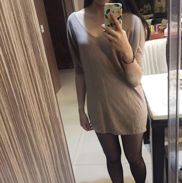 V領藕色長版毛衣