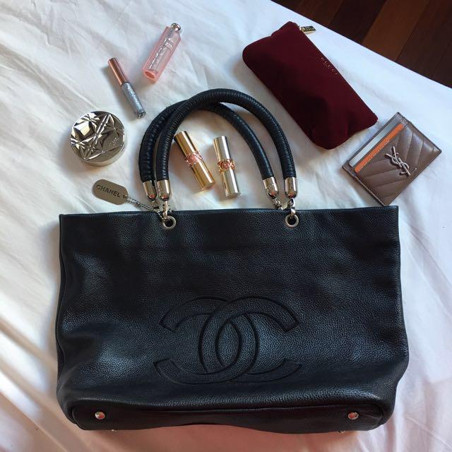 Vintage Chanel tote