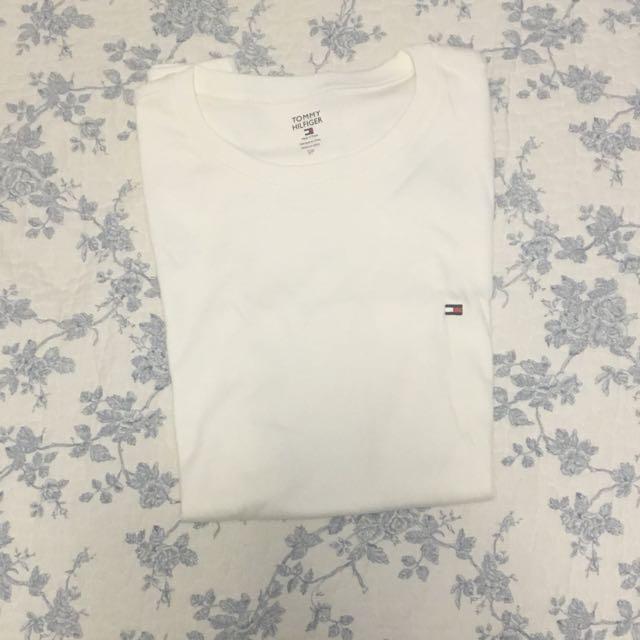 White Tommy Hilfiger Tshirt