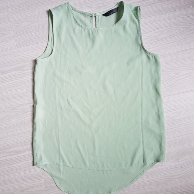 Zeitgeist green silky top