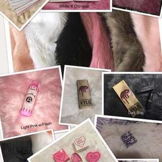 Fur Flat Lays