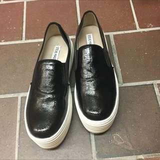 Steve Madden Black Patent Platform Shoes
