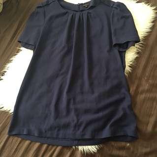 Aritzia Babaton blouse