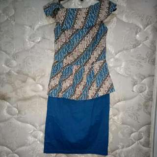 DRESS BATIK PEPLUM