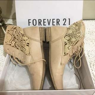 REPRICE Forever 21 Nude vintage style ankle boots