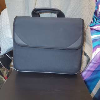 黑色全新手提電腦包