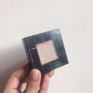 Maybelline Fit Me Powder in 220