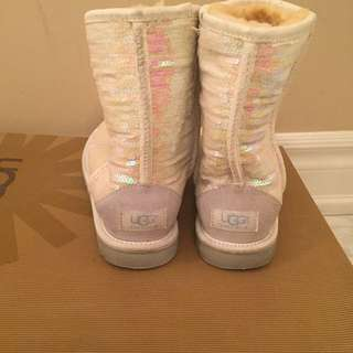 Uggs ❄️ limited edition white sequence