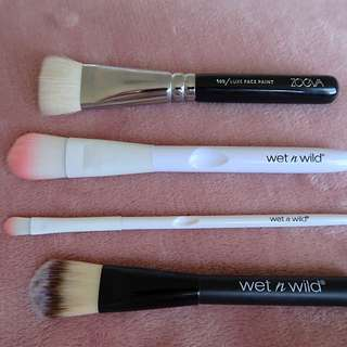 ZOEVA, WET N WILD BRUSHES