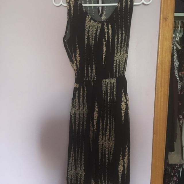 100% cotton dress from Vietnam (with pockets!)