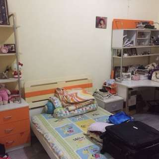 Kamar Set brand Informa preloved