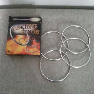 Linking Rings Magic trick