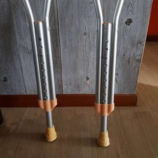 Almost new walking crutches