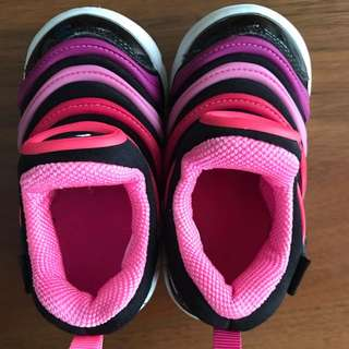 Pre loved Nike free girl's shoes