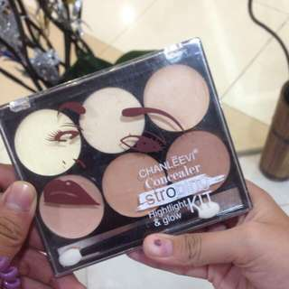 CONCEALER HIGHLIGHT AND CONTOUR PALETTE
