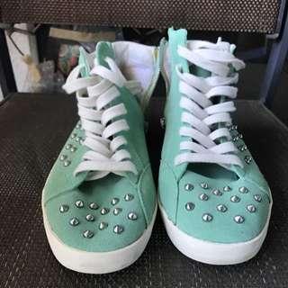 Steve Madden Women's Twynkle Distressed Studded Sneaker