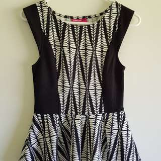 Valleygirl Top Patterned Size S