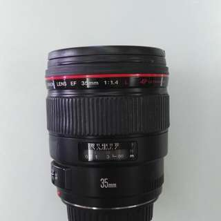 Canon EF 35mm f/1.4L USM 35 mm Lens with Lens Case, Hood and Box