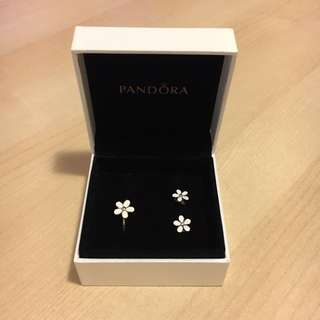 Pandora ring and earrings set RRP $104