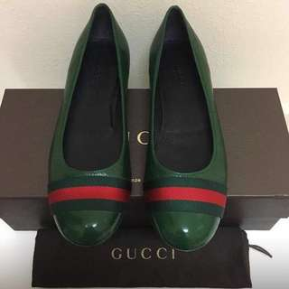 PRELOVED GUCCI Ballerina full leather  GUCCI  Vernice Naplack/Ns Nylon Size 36+/36.5 EUR (25cm)  Used one time only - Like new !