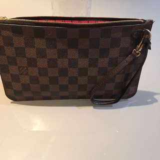 Louis Vuitton Neverfull MM clutch