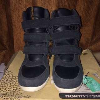 sepatu sneakers North star