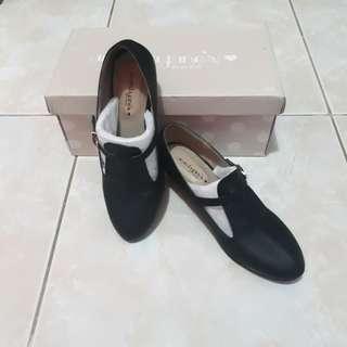 Sepatu amanda jane's