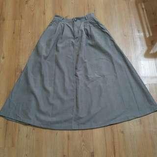 質感灰長裙
