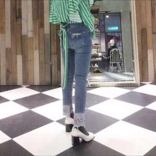 (正韓)挖破刺繡牛仔顯瘦長褲