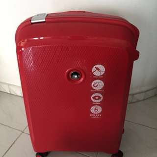 Delsey Belfort Plus luggage red