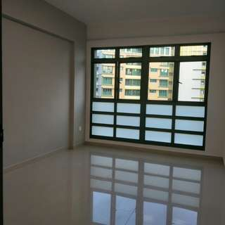 Room at Admiralty for rent