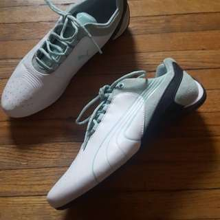 Puma sneakers (size 7.5)