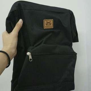 黑色小書包