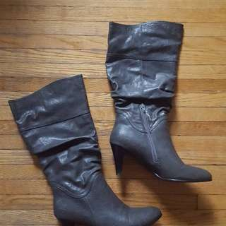 Grey boots (size 9.5)