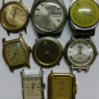 手表頭8個,電池損壞有牌手表5個,手上鍊壞了3個,不想修理了當零件賣,8個合售5OO元。