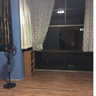 Common Room for Rent! 1minute away from MRT!