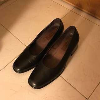 Mezzan 黑皮鞋 上班 斯文