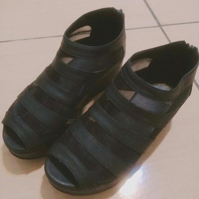 【免運】黑色楔型低跟鞋 #幫你省運費