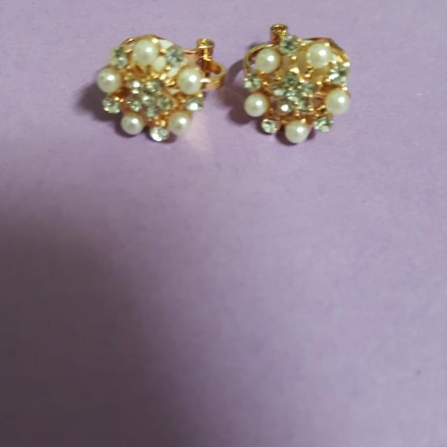 (全新)珠子耳夾