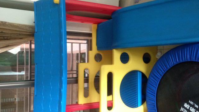 溜滑梯小屋