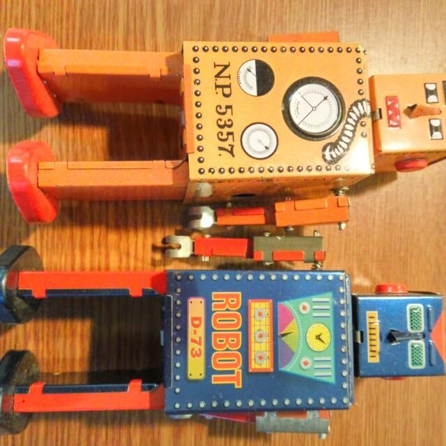 鐵皮 玩具 機械人 發條 上鏈 tin toy HKD 260 2隻