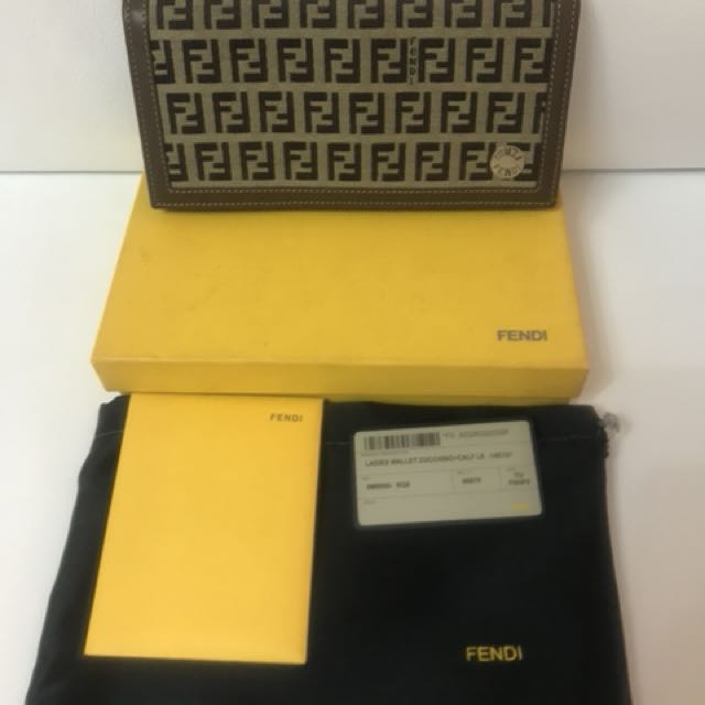 💯 % Authentic Fendi Zucchino Wallet